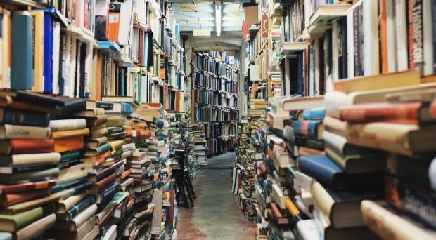 books-768426_1280-620x342